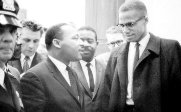 Martin Luther King, Jr.(i) y Malcolm X.
