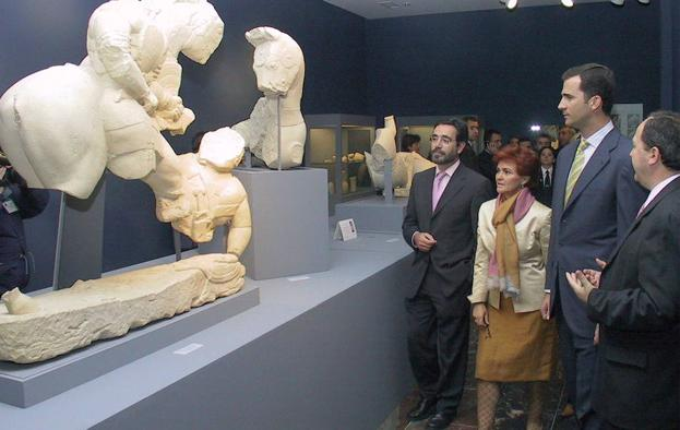 Don Felipe en una visita al antiguo museo./ESTHER MUÑOZ