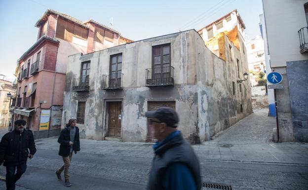 Otro de los lugares en ruina de Granada se encuentra en la Placeta de la Miga, 25.