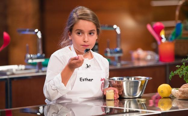 La granadina Esther ya es una de las finalistas de 'Masterchef Junior 5'
