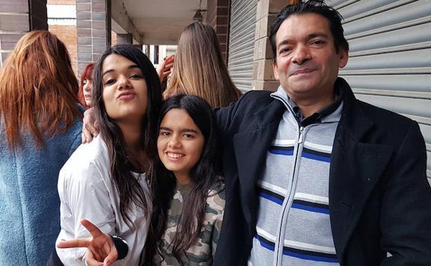 Joni, son sus hijas./TERRY BASTERRA (EL CORREO)