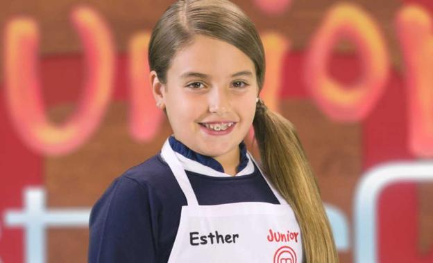 La granadina Esther enamora al jurado y pasa a la final de 'Masterchef Junior'