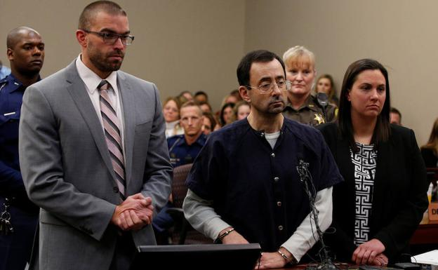 Larry Nassar, en un tribunal de Míchigan./Reuters