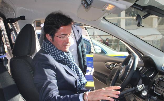 El Alcalde de El Ejido inicia Cursos Policiales.