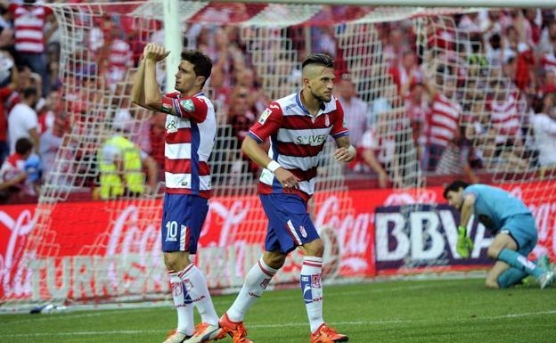 Piti celebra el gol del empate en la última visita del Deportivo. f759f1de98009
