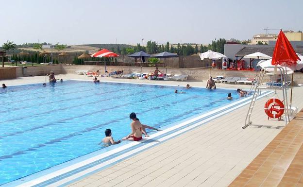 5e5adf7a06b8 El complejo municipal de piscinas ya está a pleno rendimiento ...