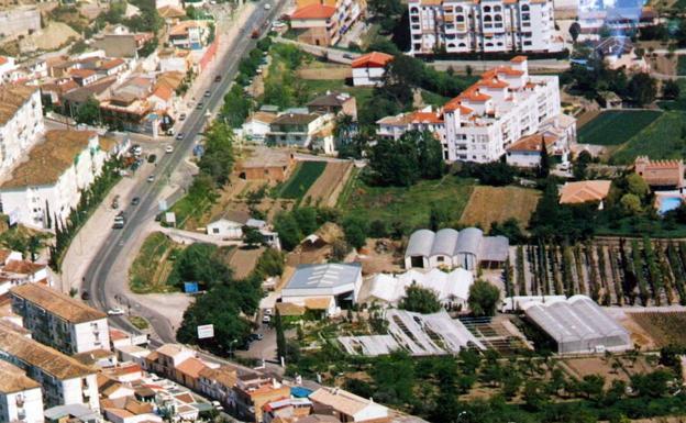 El ayuntamiento de granada arregla la calle ordesa en for Saneamientos granada