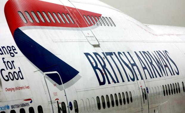 Aviones de British Airways estacionados en el aeropuerto de Heathrow. /Andy Rain (Efe)