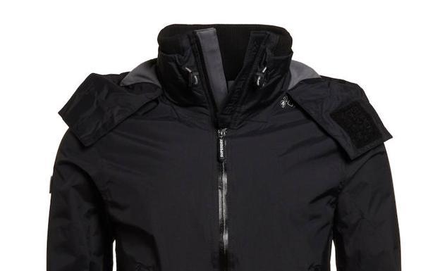 5ccf50ad425 El  chollo  de eBay para conseguir chaquetas Superdry de hombre a mitad de  precio
