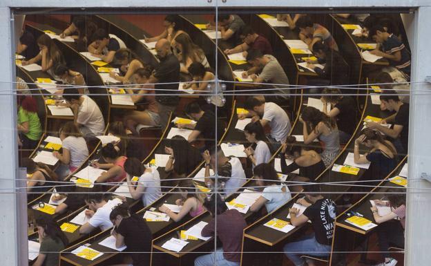 Calendario Examenes Derecho Us.Notas De Corte En Andalucia Nuevas Calificaciones Para Las