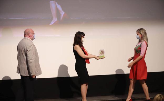Eduardo Peralta, director de IDEAL, junto a Paula Spa, directora de RRHH, Comunicación y Acción Social de SAT Campos de Granada..