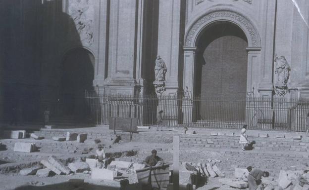Remodelación de la plaza en el año 1946.