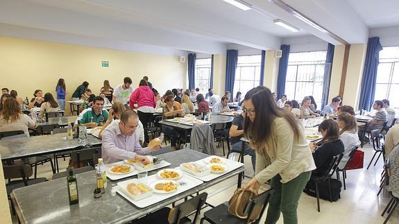 La Universidad de Granada frena la caída de usuarios de sus ...