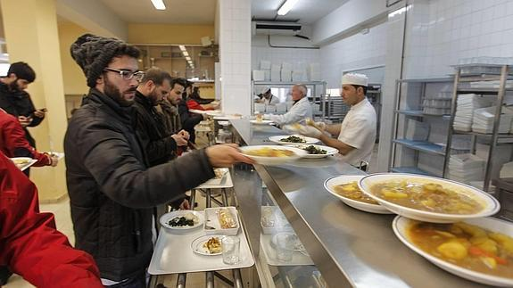 Solo 303 alumnos de la UGR contarán con beca de comedor el ...