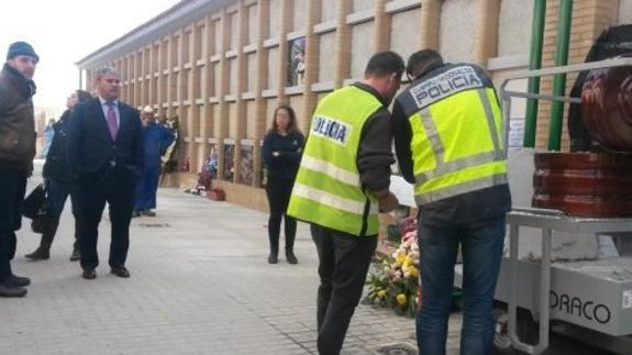 El féretro abierto en un cementerio español tras «oírse golpes ...